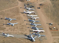 Pic_mothballed_planes