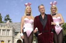 Hugh-Hefner-Bunnies