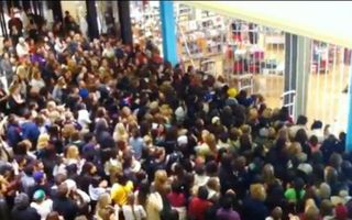 Black Friday Shoppers Crowd Waiting